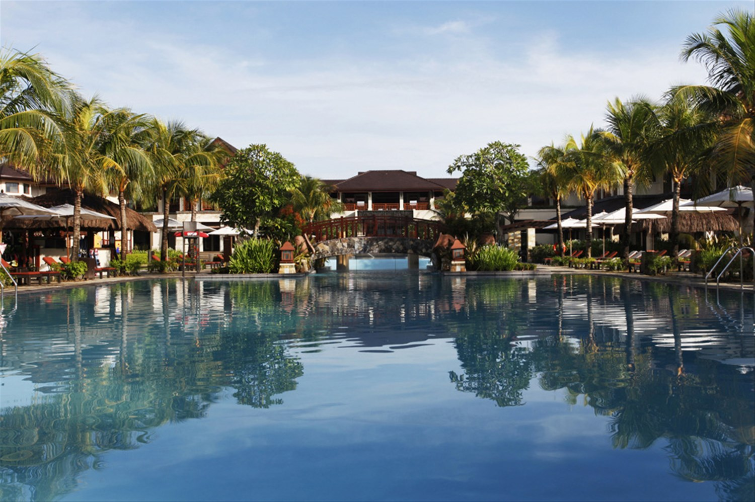 Crimson Resort And Spa Philippines