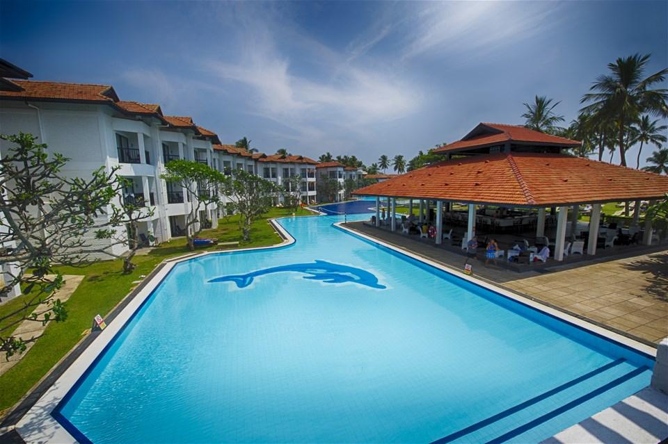 hotels in waikkal