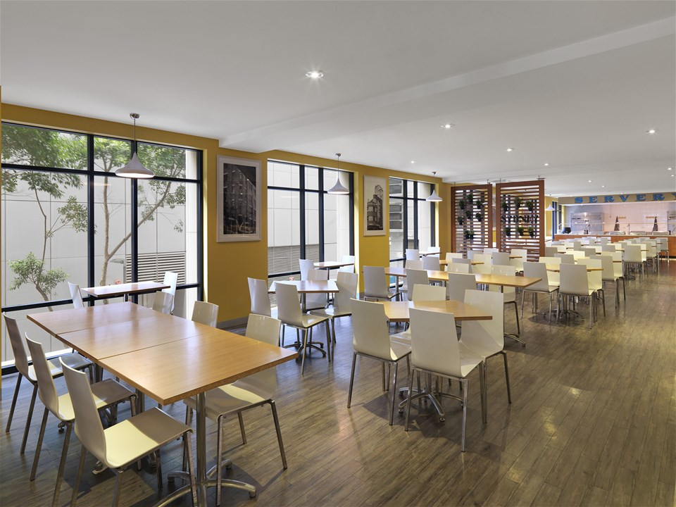 The Travelodge Sydney Dining Room