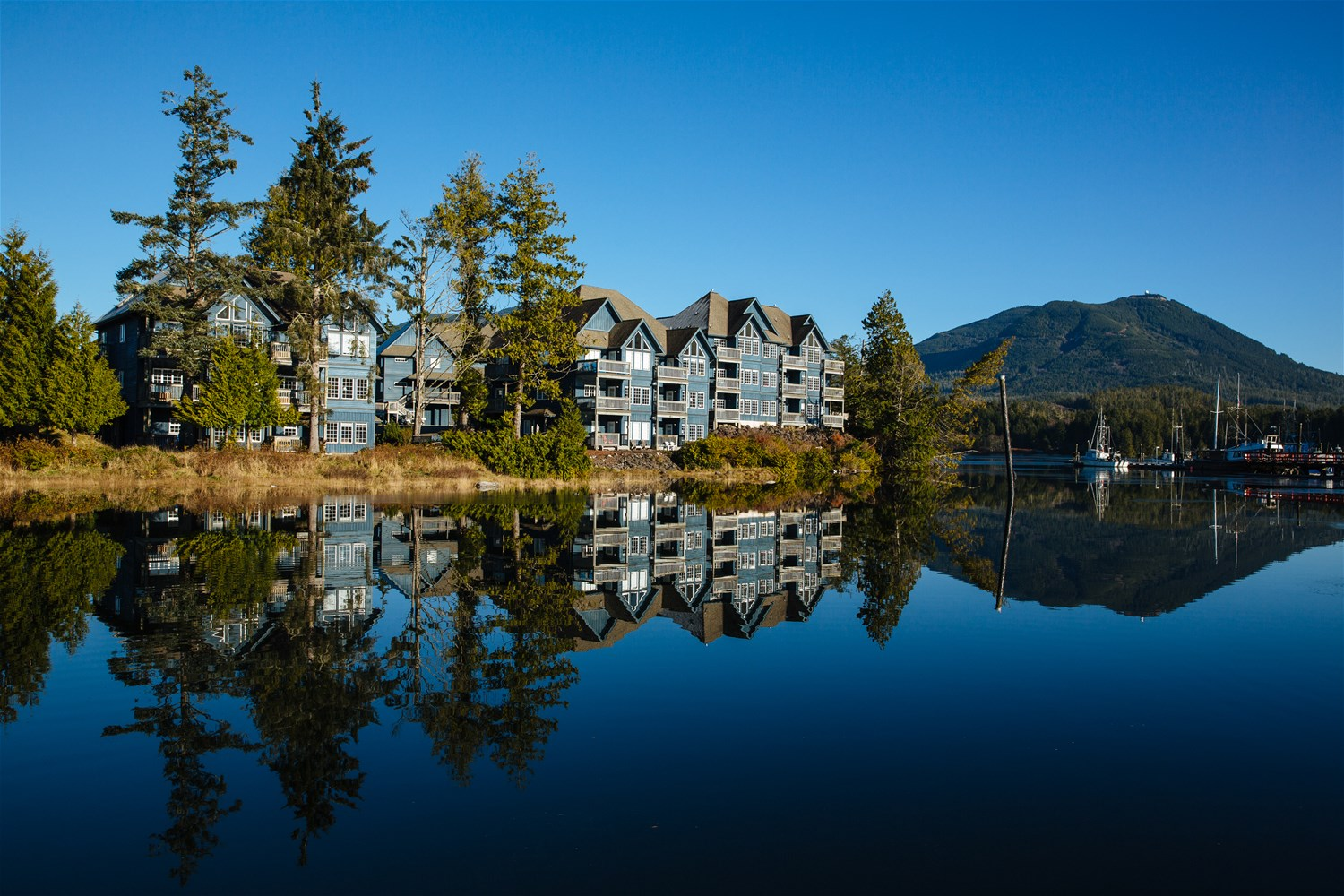Water's Edge Shoreside Suites, Vancouver Island & The ...