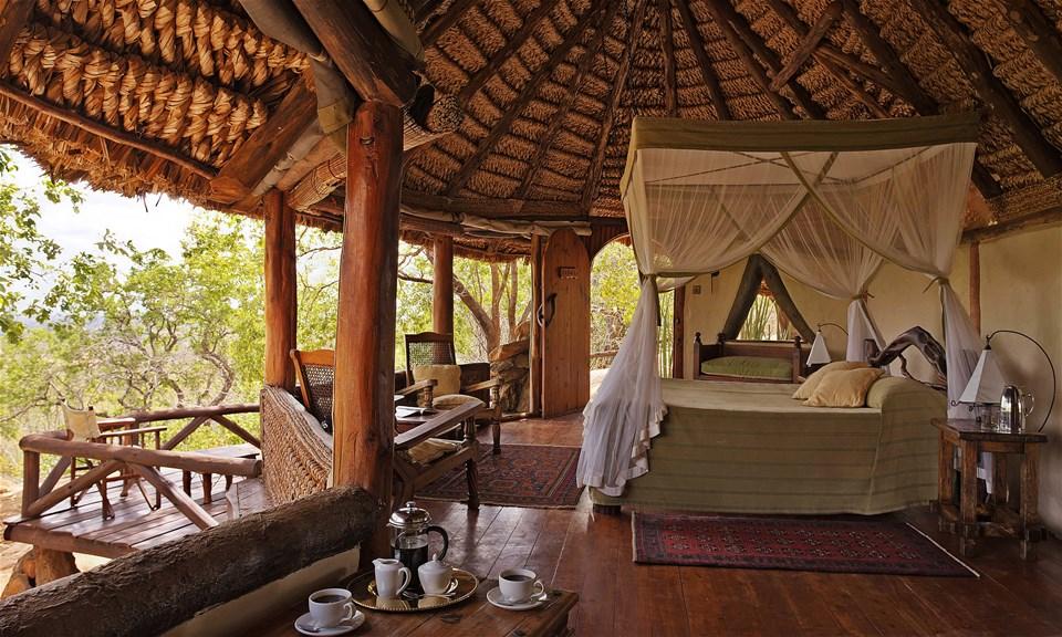 hotels in meru national park