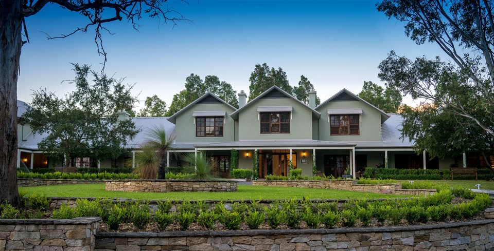 hotels in hunter valley & the legendary pacific coast