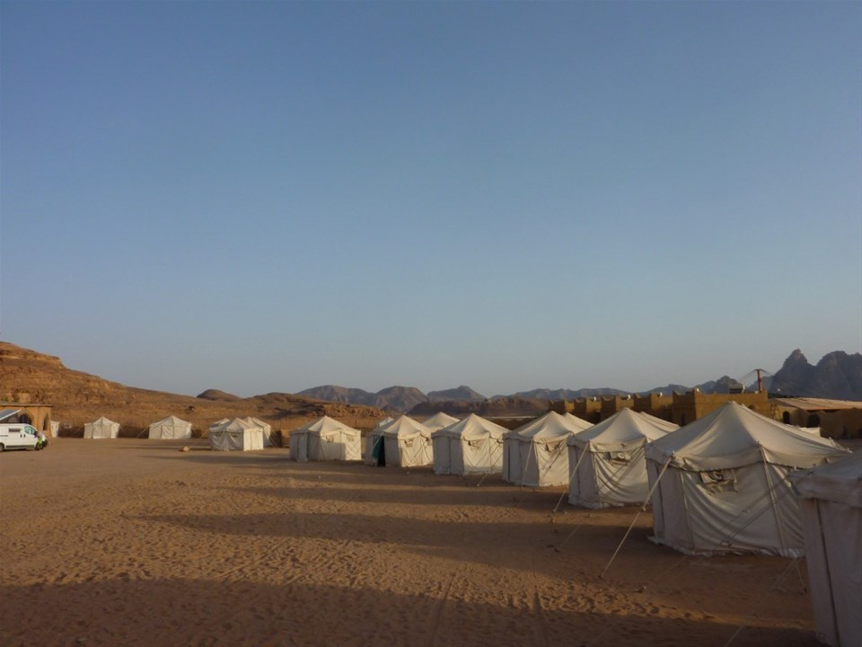 hotels in wadi rum