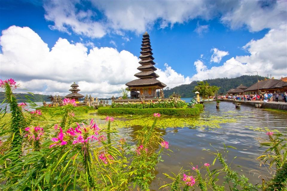 Bali's Lakes & Hills
