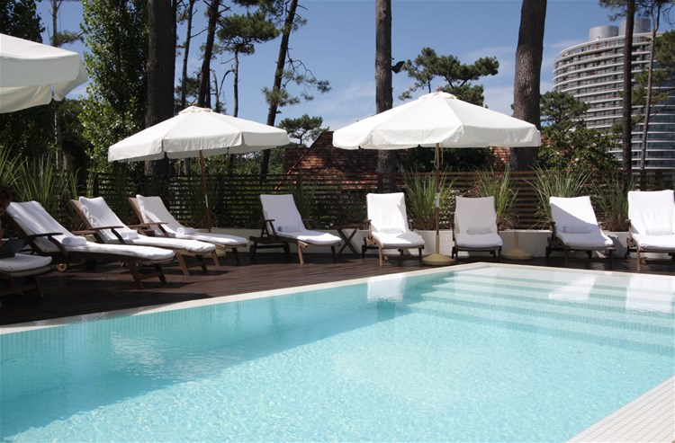 Punta del este surrounding beaches hotels trailfinders for Awa design boutique hotel punta del este