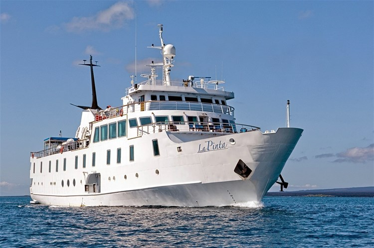 hotels in the galapagos cruising