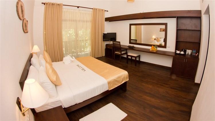 hotels in uda walawe national park